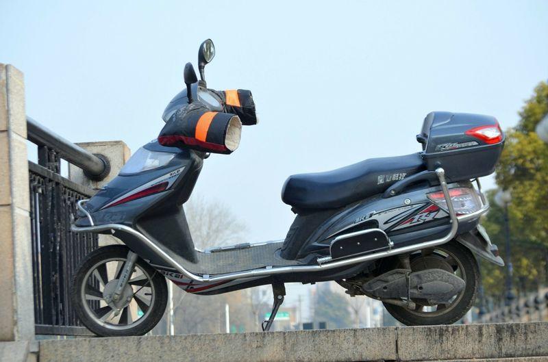 10 Ventajas y Desventajas de una Moto Eléctrica