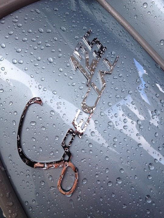 La lluvia Sobre 2 Ruedas Lo hermoso y sus cuidados