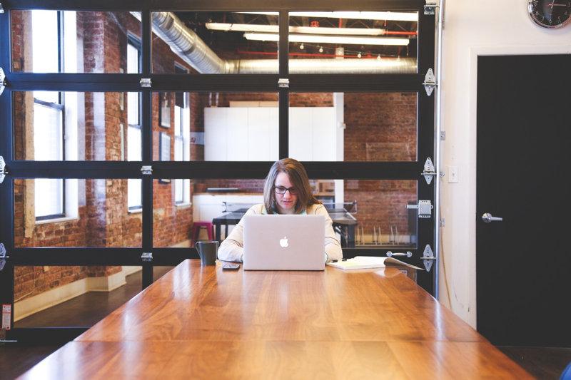 Ventajas del Trabajo en Solitario y Equipo